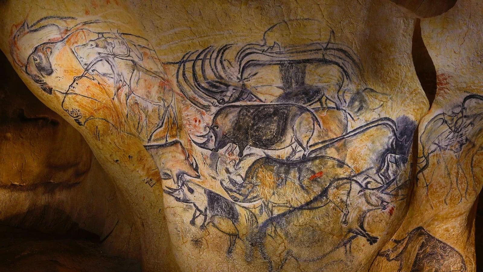 Photo de la Caverne du Pont d'Arc, espace de restitution de la Grotte Chauvet-Pont d'Arc - Gorges de l'Ardèche