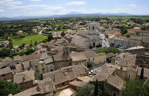 Vue depuis le Château de Suze-la-Rousse, village perché - Drôme Provençale