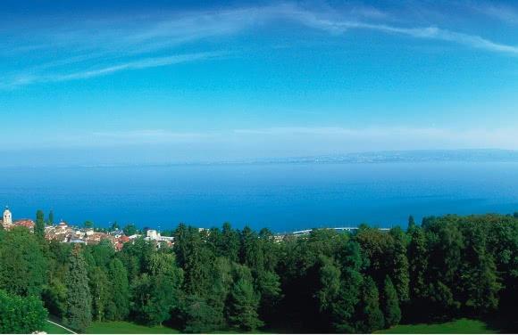 Vue sur le Lac Léman, depuis l'hôtel Royal Ermitage - Evian (74)