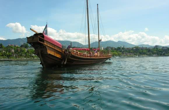 Voilier traditionnel sur le Lac Léman (74)