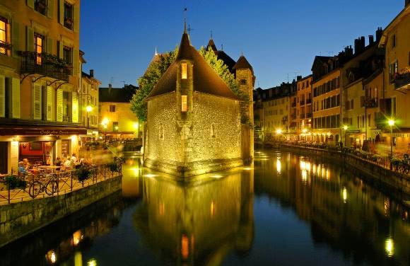 Annecy (74) - Palais de l'Ile