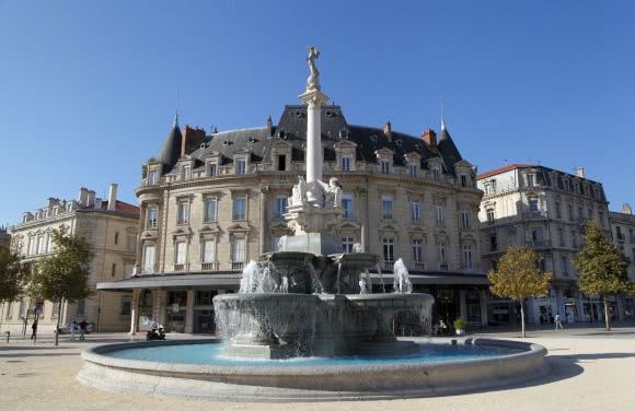 Valence (26) - La fontaine monumentale