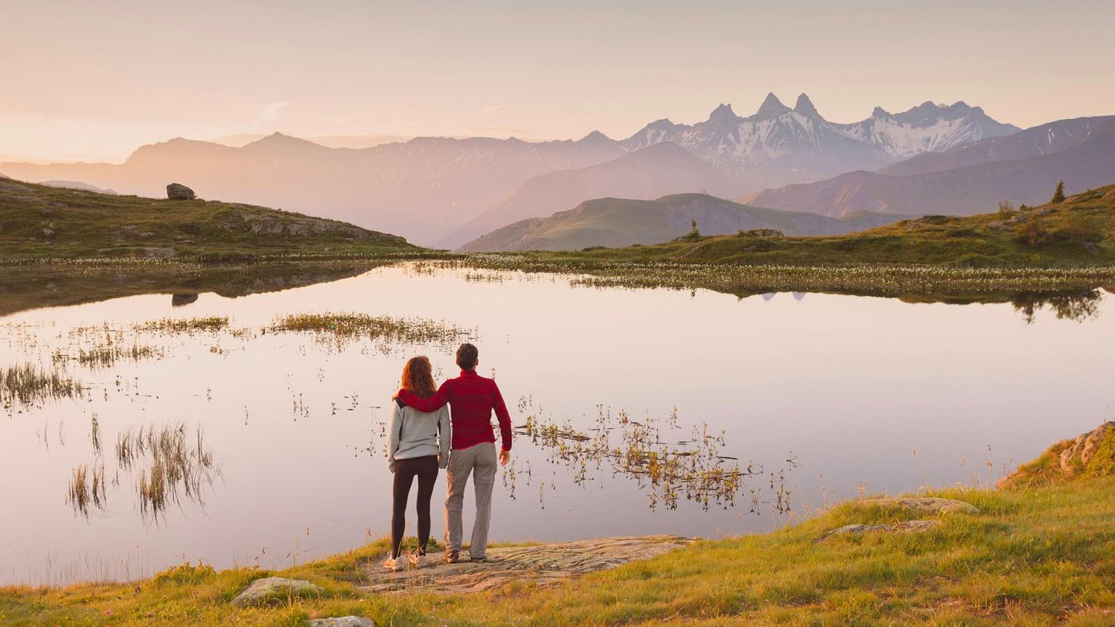 Lac Guichard, vue sur les Aiguilles d'Arves - Maurienne (73)