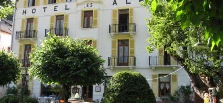Facade ete Les Alpes Hotel Brides-les-Bains