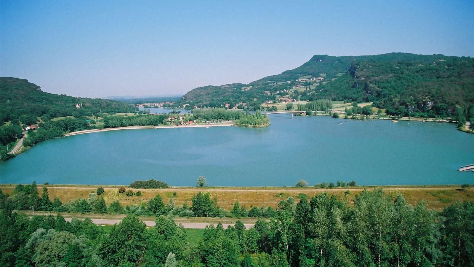 Plan d'eau Murs-et-Gélignieux