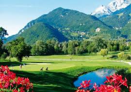 étang fleurs et montagnes golf