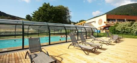Village club avec piscine couverte et chauffée
