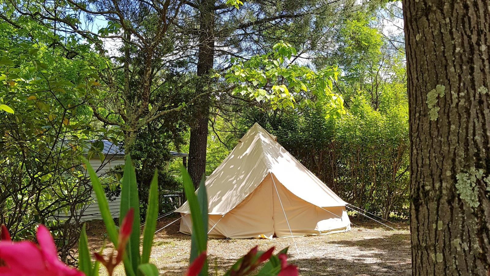 hello soleil - tipi camping ardèche hello soleil