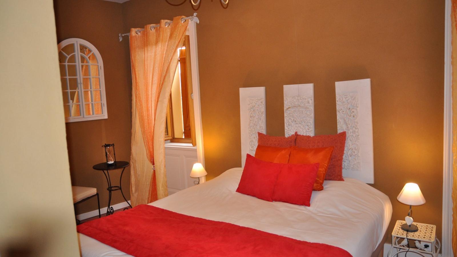 Chambres d'Hôtes 'Domaine aux 4 Temps' à Villié-Morgon (Rhône-Beaujolais) : la Chambre 'Le Temps d'un Sourire'.