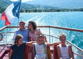 croisière en famille sur le lac d'Annecy