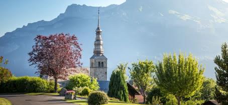 Village et église de Combloux