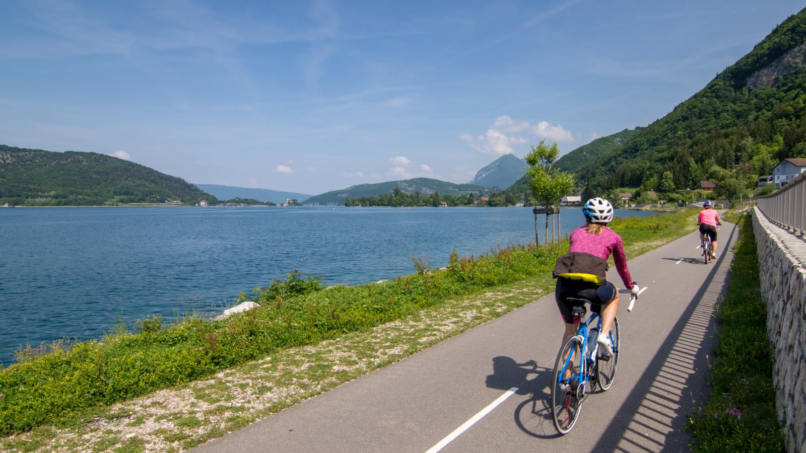 Vélo sur la voie verte autour du lac d'Annecy - Talloires