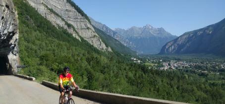 A vélo dans les Alpes