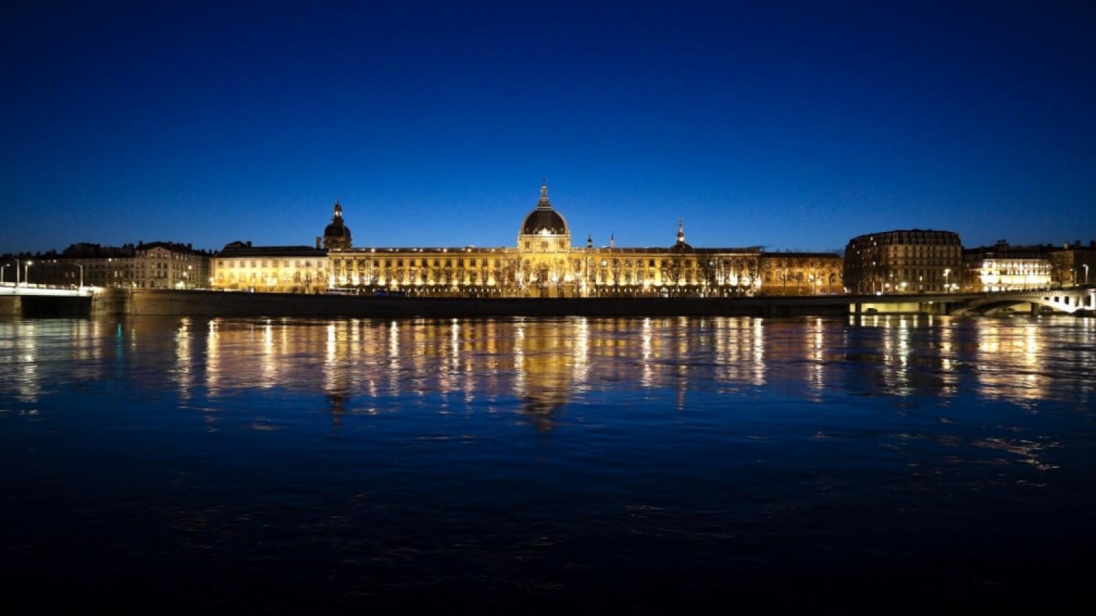 Hôtel Dieu by night