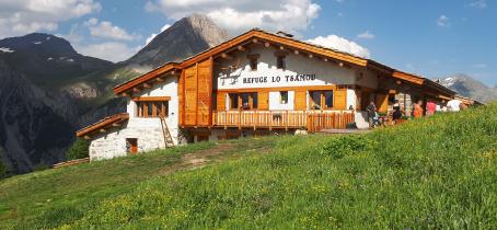 Refuge Lo Tsamou en été à Val Cenis Bramans