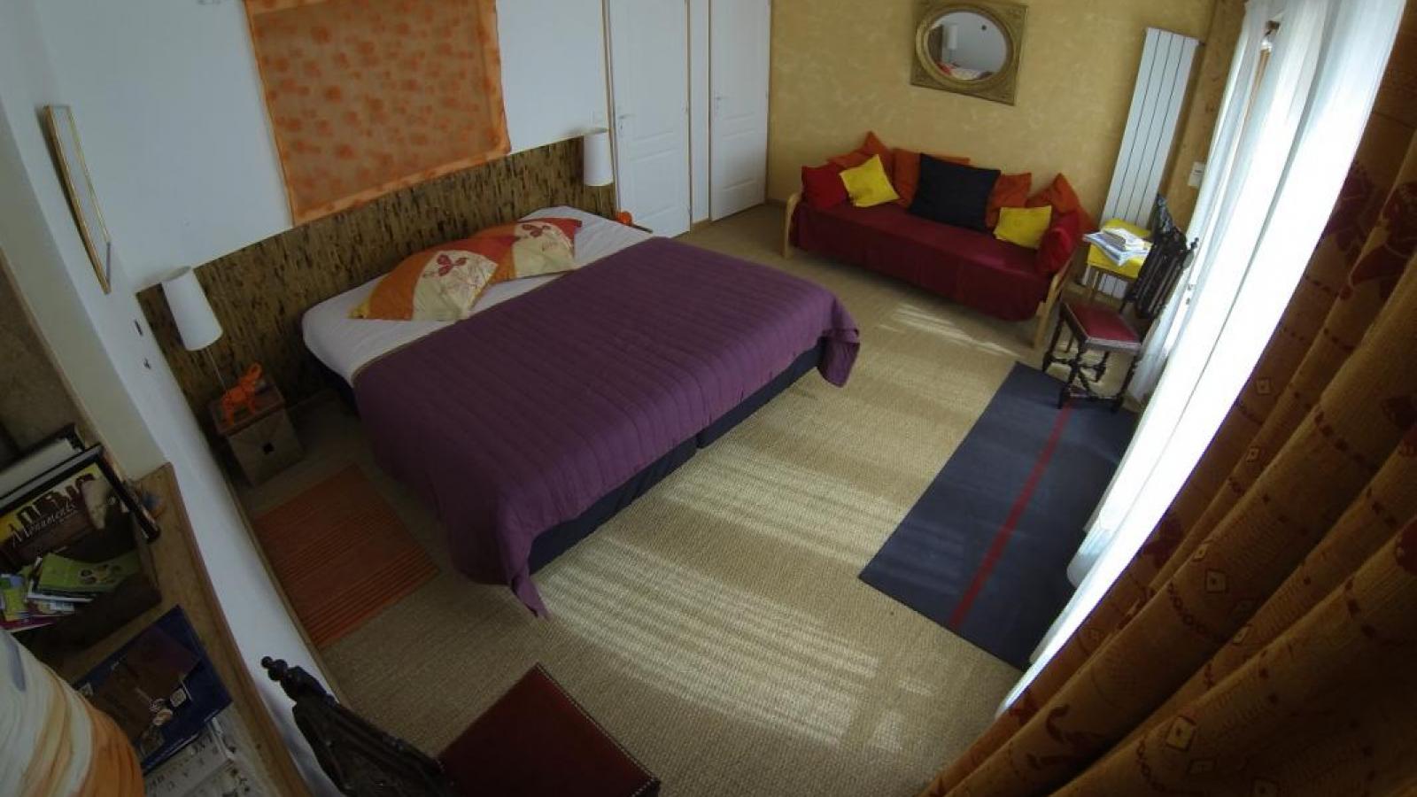 Chambres d'Hôtes 'Les Fées du Fay' à Marchampt dans le Beaujolais - Rhône : 'Le Samovar'.